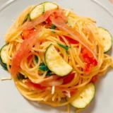 ズッキーニと生ハムで作る!夏野菜ペペロンチーノ