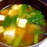 豆腐とほうれん草の鯛出汁味噌汁