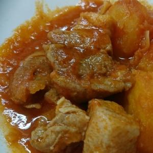 豚バラブロックとジャガイモのトマトジュース煮