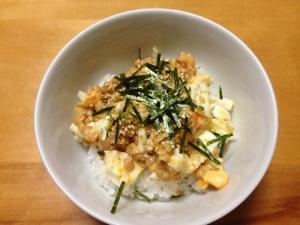 ゆで卵と納豆かけご飯