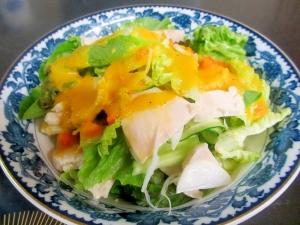鶏ハムの玉ねぎにんじんドレッシンググリーンサラダ