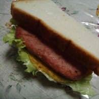 スパムと卵のサンドイッチ