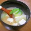 じゃがいも、ねぎ、豆腐のみそ汁