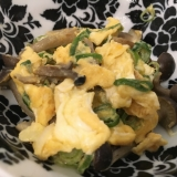 しめじと卵の中華炒め。
