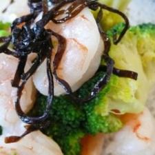 海老とブロッコリーの塩昆布和え
