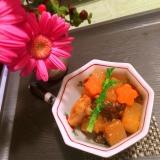 鶏手羽トロ肉と根菜の韓国風コチュジャン煮