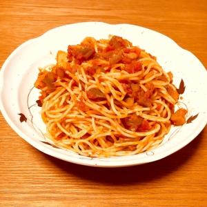 ウィンナーと野菜のトマトパスタ
