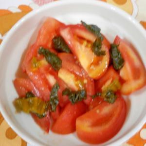 柚子こしょうで!トマトと高菜漬けのサラダ