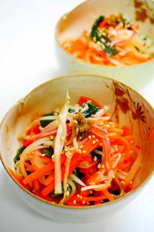 食感が命!大根とワカメと人参の中華サラダ
