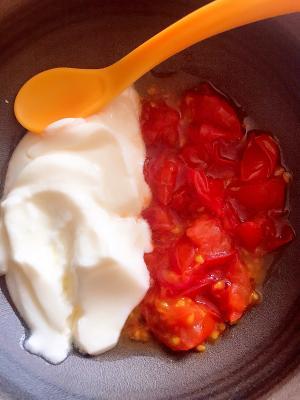 めでたい!ヨーグルトとトマトで紅白離乳食♡