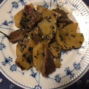 牛肉とじゃがいものバジルマヨ炒め