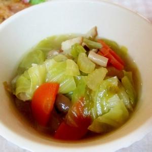 キャベツとベーコンの和風野菜スープ