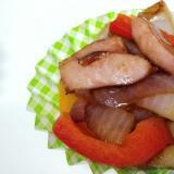 お弁当に!紫玉葱、パプリカ、ウィンナーの中華焼き