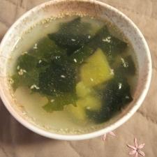 さつまいもとわかめの中華スープ