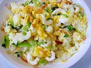 塩麹入り☆ 5分で出来る!竹輪と高菜のチャーハン♪