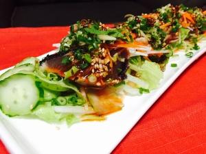 簡単韓国風ソースで☆かつおのたたきサラダ