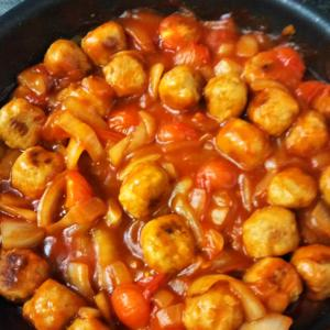 肉団子とミニトマトの甘酢炒め