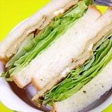 バジマヨ混ぜて玉子ふわふわもちろんえ~香り生サンド