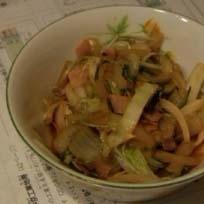 残り野菜でガーリックな野菜炒め