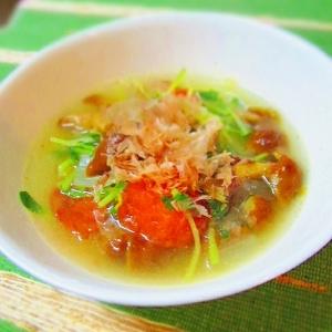 豆苗、なめこ、トマトのスープ