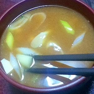ジャガイモと豆腐とネギの味噌汁【ほっこり☆和食】