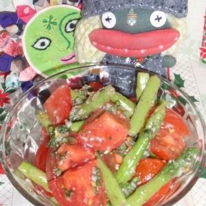 トマトとアスパラの塩麹サラダ