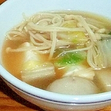 里芋白菜えのきお豆腐のお味噌汁