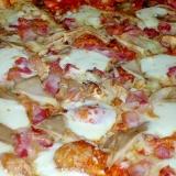 舞茸とベーコンのピザ♪