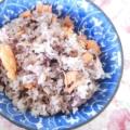 焼き鮭の残り❤醤油味の混ぜご飯♪(削り節&ゴマ他)