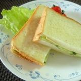 ☆きゅうりとスライスチーズの粒マスタードサンド☆