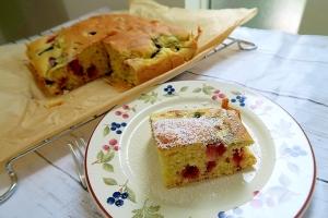 ホットケーキミックスde冷凍ベリーの簡単ケーキ
