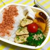 鶏そぼろ卵焼とブロッコリ醤油鮭フレご飯パパ弁当♡