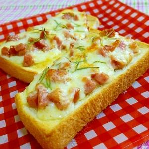 ローズマリーチーズトースト