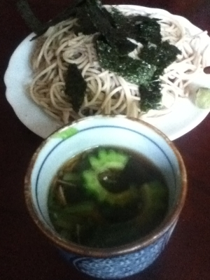 ゴーヤと小松菜のつけ汁de日本蕎麦