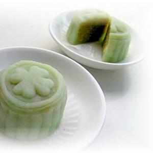 うぐいすきな粉&豌豆冰皮月餅