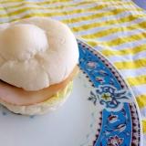 白パンでハムチーズレタスサンド