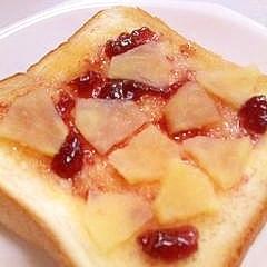 りんご&ブルーベリージャムのトースト