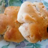 手ごねでフルーツグラノーラのパン