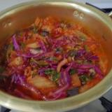 紫キャベツとタニシでキムチチゲ