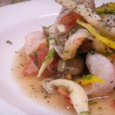海老と彩り野菜のサラダ