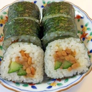 梅と納豆の巻き寿司