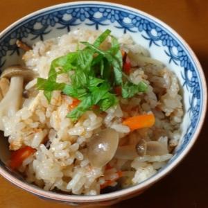 鯖味噌煮缶を使って!炊き込みご飯