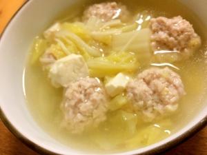 鶏団子と白菜のスープ