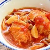 トマトスープ仕立てのロール白菜