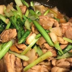 小松菜と鶏もも肉のオイスター炒め