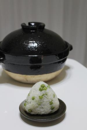 かまどさんで作る 豆ご飯