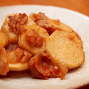 簡単!ほんのり酸味がきいた里芋と豚バラの梅味噌炒め