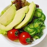 アボカドのグリーンサラダ