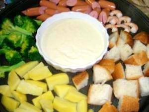 クリームシチューのルーでお手軽簡単チーズフォンデュ
