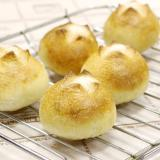 レーズン酵母のロールパン